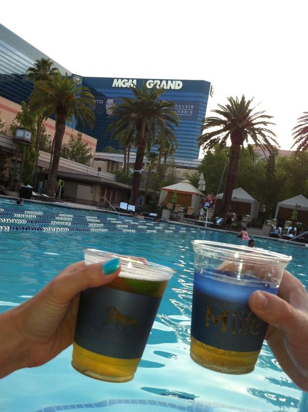 mgm-grand-las-vegas-swimming-pool
