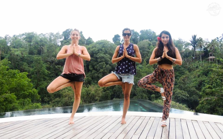 bali-yoga-teaching-laurie-pink-pack-1
