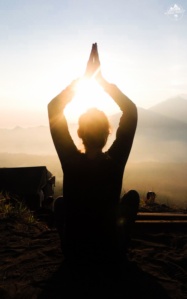 bali-yoga-teaching-laurie-pink-pack-15