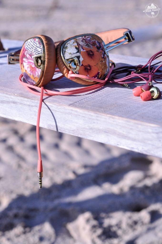 pink-pack-skullcandy-women-morocco-trip-9