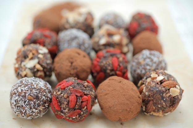 superfood-power-balls_healthychef